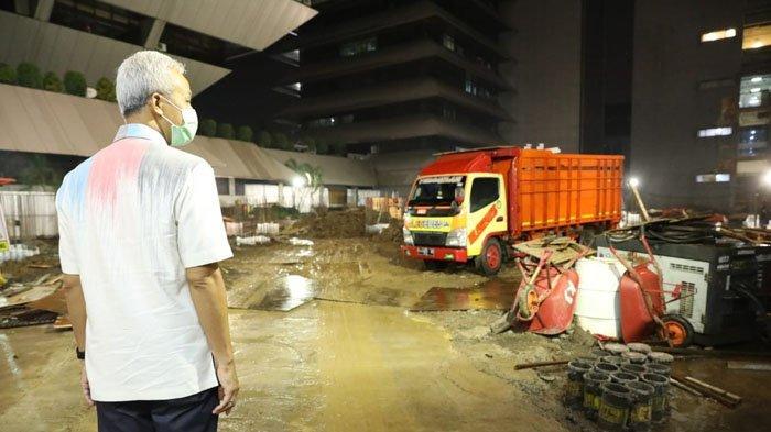 Kantor Gubernur Jawa Tengah Terendam Banjir, Ganjar Pranowo Datangi Proyek Pembangunan DPRD