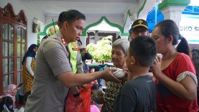 Bantu Evakuasi Banjir, Polres Bogor Terjunkan Puluhan Personel