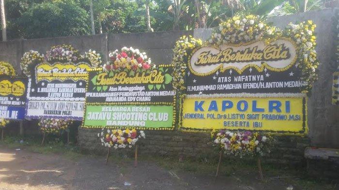 Karangan Bunga Ucapan Bela Sungkawa Banjiri Masjid Jami Tan Hok Liong, Lokasi Pemakaman Anton Medan