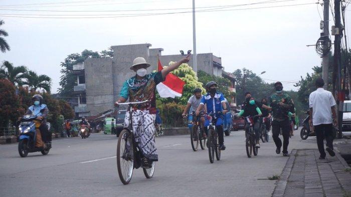 Karnaval HUT ke -76 RI, Gus M Gelar Bhakti Sosial Hingga Ajak Pemuda Bersepeda ke Tempat Bersejarah