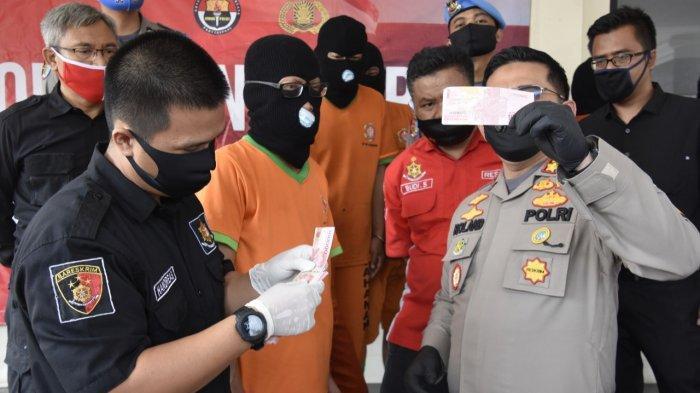 BREAKING NEWS - 7 Pengedar Uang Palsu Senilai Ratusan Juta Rupiah Ditangkap di Bogor