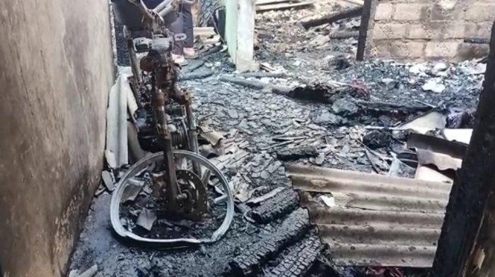 Kebakaran di Kampung Hambulu, Desa Tegal, Kecamatan Kemang, Kabupaten Bogor, Rabu (4/8/2021) dini hari. Dua lansia terbakar.
