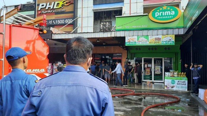 Diduga Korsleting Listrik, Toko Sepatu di Cibinong Bogor Terbakar