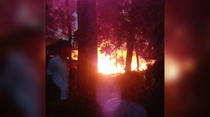 Kebakaran di Klapanunggal Bogor, Kepulan Asap Membubung Tinggi