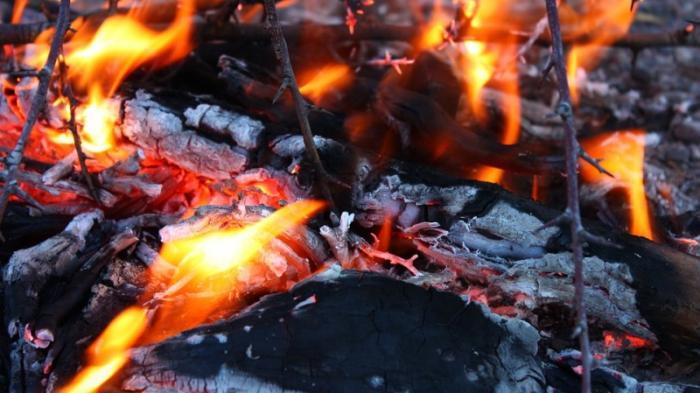 Diduga Konsleting Listrik, Bengkel dan Tambal Ban di Cileungsi Bogor Terbakar