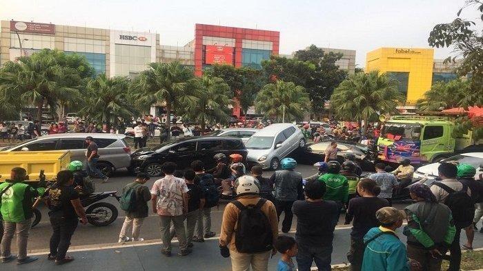 Kronologi Tabrakan Beruntun di Bintaro, Sopir Dump Truk Ngantuk Sedan Hitam Rusak Parah