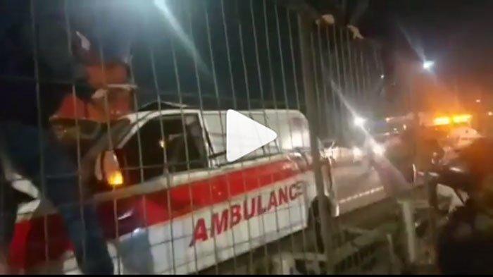 KRONOLOGI Mobil Ambulans Terlibat Kecelakaan Maut dengan Tronton, Sopirnya Tewas di Lokasi Kejadian