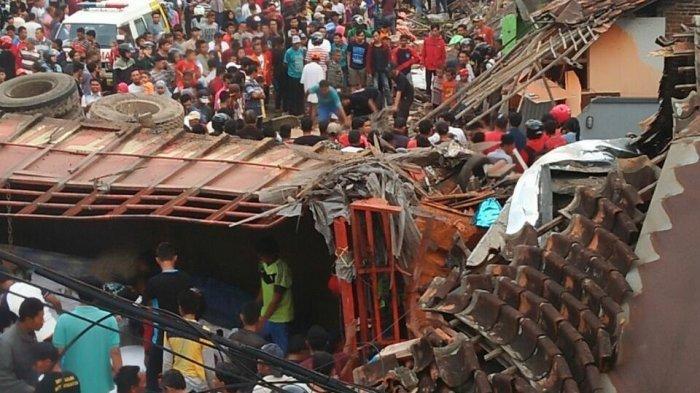 Korban Tewas Kecelakaan Truk di Brebes Bertambah Jadi 12 Orang