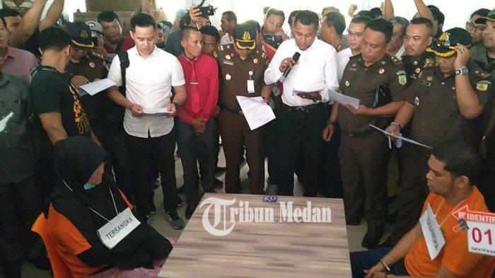 Sidang Hakim Jamaludin, Ibunda Zuraida Syok Lihat Foto Mesum Anak dengan Pembunuh Bayaran: Lihat Ini