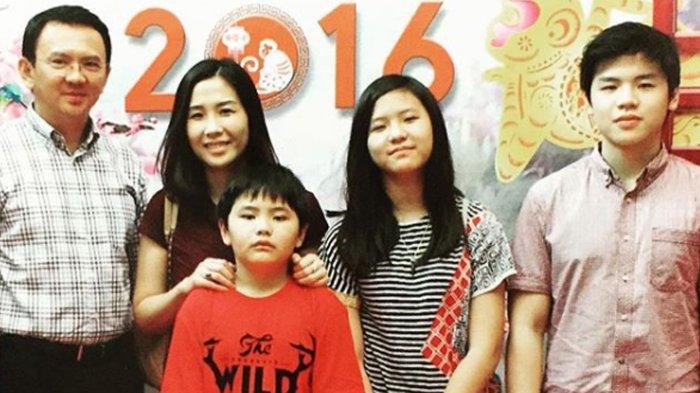 Nicholas Sean Bahagia Rayakan Imlek 2019 Bareng Keluarga Ahok, Di Mana Sosok Veronica Tan?