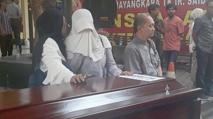 Jasad Nailisma Korban Kecelakaan Tol Cipularang Dipulangkan ke Bogor