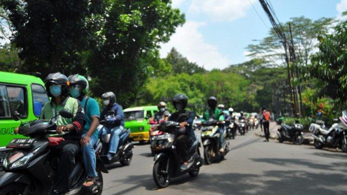 Kemacetan di Jalan Jalak Harupat Kota Bogor akibat kecelakaan beruntun, Senin (12/4/2021)