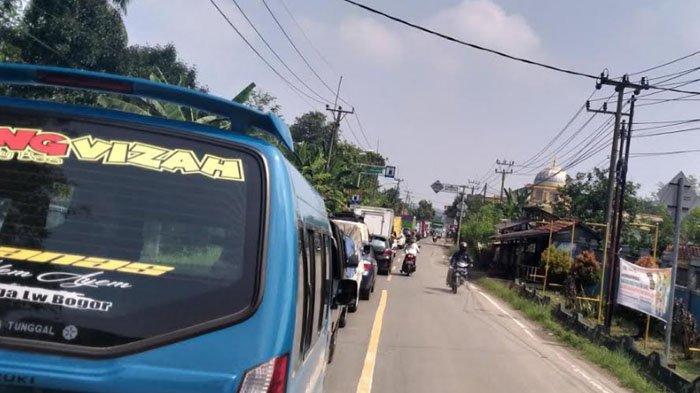 Jalur Cigudeg - Jasinga Bogor Diperbaiki, Macet Panjang Hingga 1 KM