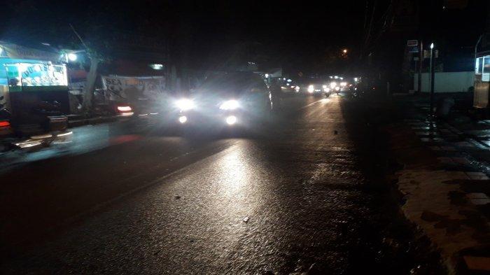 UPDATE Lalu Lintas : Kendaraan di Jalan Raya Sukahati Cibinong Malam Ini Lancar