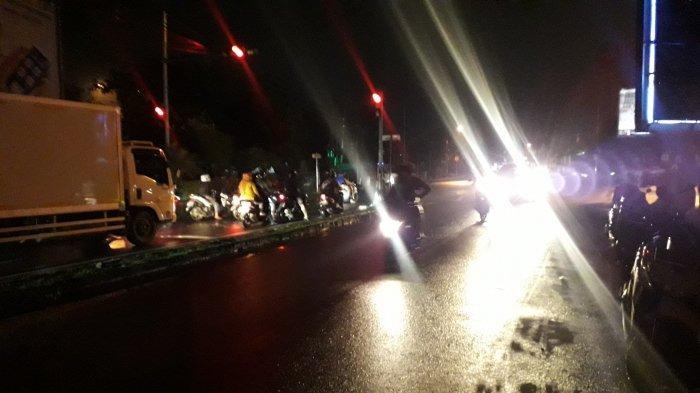 Kondisi Lalu Lintas Jalan Raya Sukahati Bogor 27 Oktober 2020 Malam