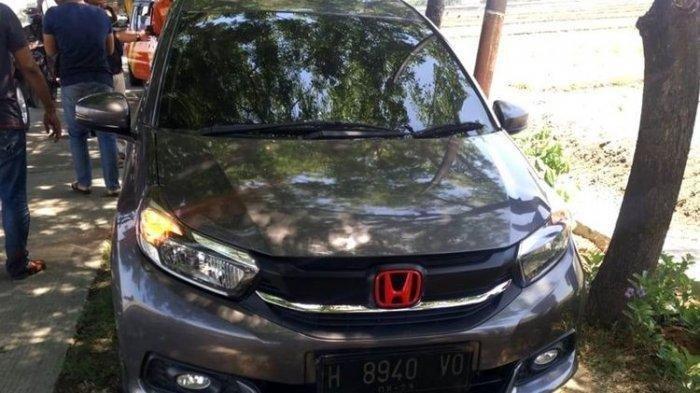 Diduga Mau Mesum, Kepala Desa Ditemukan Tewas di Dalam Mobil, Sang Wanita Panik dan Lakukan Ini