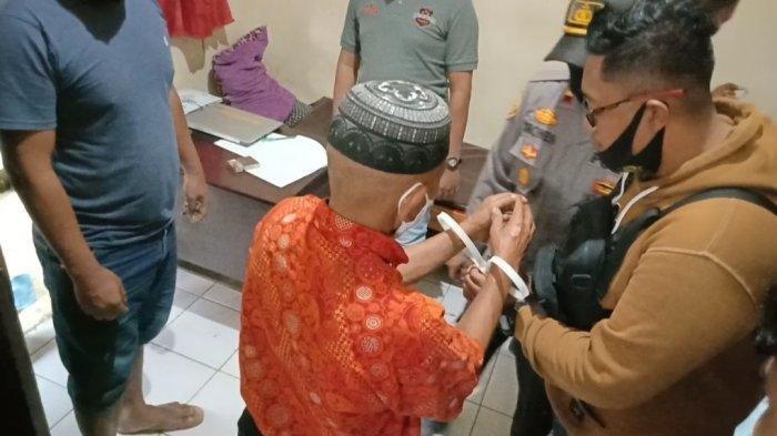 Kepolisian Sektor (Polsek) Mambi, Kabupaten Mamasa, Sulawesi Barat, mengamankan A (63), warga Kecamatan Mambi, Kamis (7/1/2021) sekira pukul 13.00 wita.
