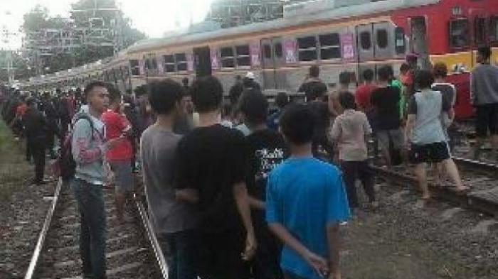 Ini Kata PT KCJ Soal Kereta Anjlok Jalur Manggarai-Sudirman Sore Ini