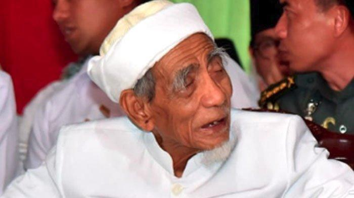 BREAKING NEWS : Inalilahi Wainailaihi Rojiun - KH Maemun Zubair  Meninggal Dunia di Mekah