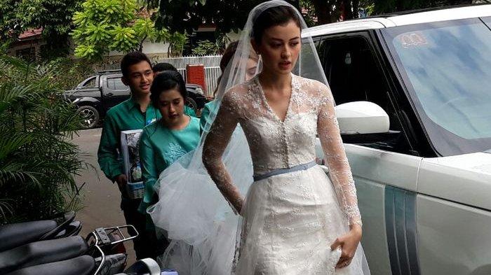Kimberly Ryder dan Edward Akbar Resmi Menikah