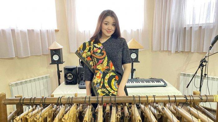 Kisah Gadis Cantik Kazakhstan Kepincut YouTuber Indonesia, Nasibnya Kini Berubah Drastis