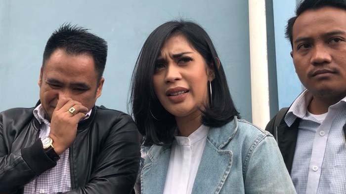 Marshanda Singgung soal Jalur Hukum, Karen Idol : Saya Enggak Bilang Tinggal Sama Dia