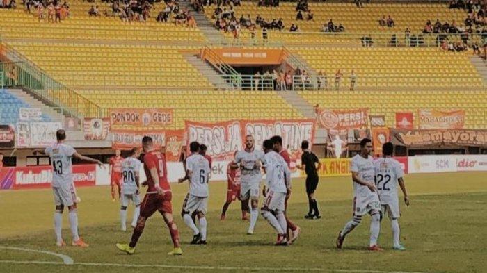 Ini Penyebab Laga Persija Jakarta vs Persela Lamongan Harus Ditunda
