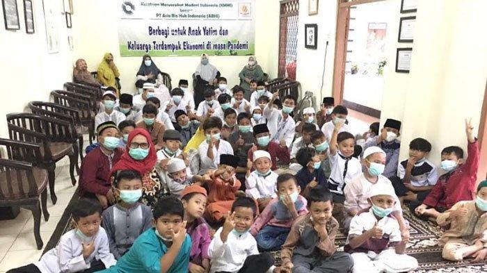 Bantu Warga Terdampak Pandemi, KMMI Bagikan Paket Sembako dan Buka Puasa Bersama Anak Yatim di Bogor