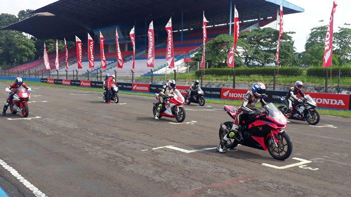Ratusan Pecinta Motor CBR Se-Nusantara Adu Cepat Di Sirkuit Sentul