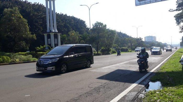 Lalu Lintas Jalan Pajajar Di Putaran Balik Pintu Tol Bogor Ramai Lancar