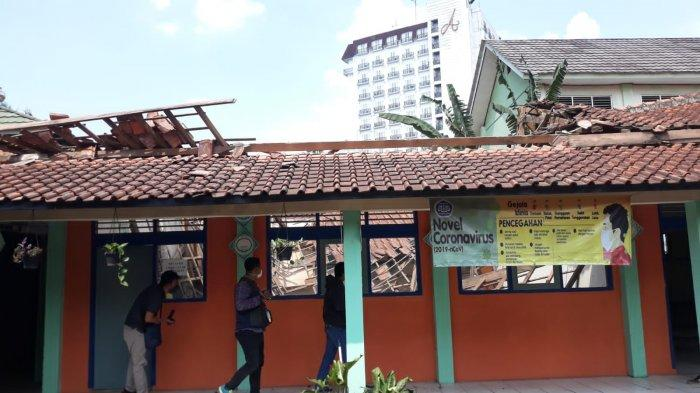 Bangunan Atap SDN Otista Kota Bogor Ambruk, Lokasinya Dekat Istana Bogor dan Kantor Bima Arya