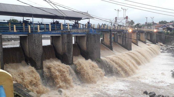 Puncak Bogor Diguyur Hujan, Tinggi Muka Air Bendung Katulampa Siaga 4