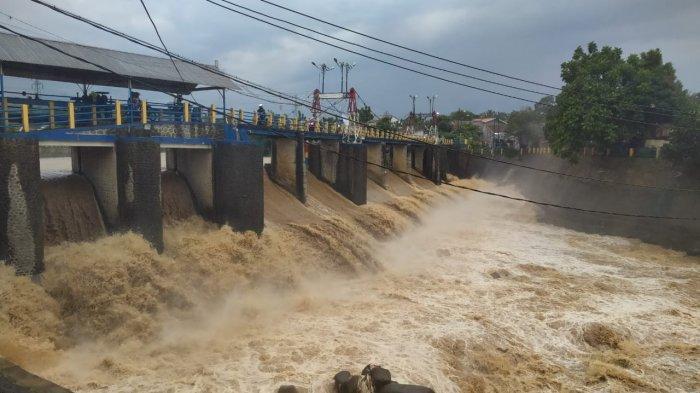 UPDATE Kondisi Bendung Katulampa Setelah Hujan Deras, Saat Ini Siaga 4