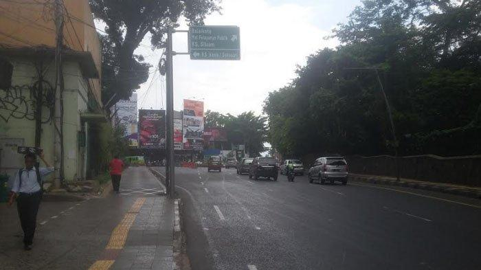 Wilayah Sekitar Jalan Otista Diguyur Hujan Siang Ini, BMGK Ingatkan Potensi Hujan Disertai Petir