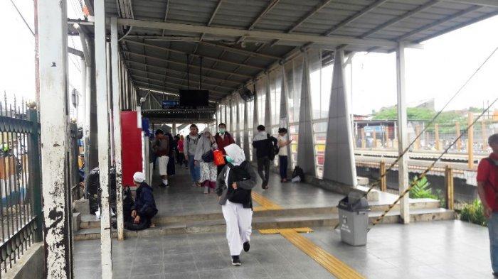 Sempat Terjadi Penumpukan Penumpang Pasca KRL Anjlok, Stasiun Bojonggede Berangsur Normal