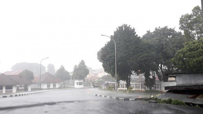 Doa Minta Perlindungan saat Hujan Deras Disertai Petir, Agar Terhindar dari Bencana