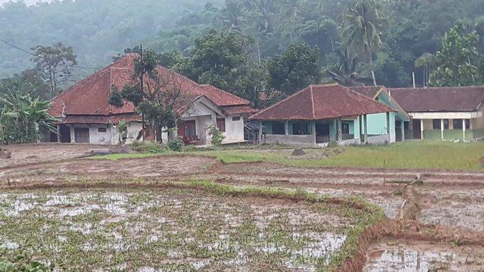 Kisah 2 Kampung Mati di Bogor, Ratusan Rumah Tak Berpenghuni, Mobil dan Motor Ditinggal Pemiliknya