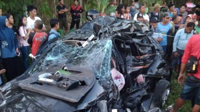 Niat Antar Kado Mobil Mewah untuk Ayah, Kakak Adik Ini Tewas dalam Kecelakaan, Mobilnya Ringsek