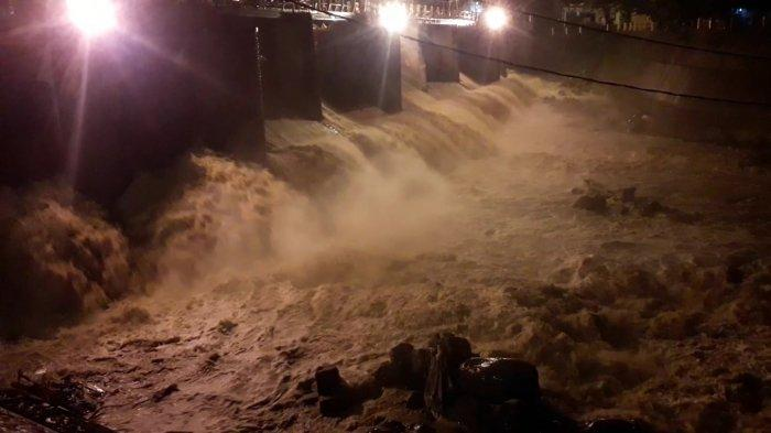Tinggi Air Bendung Katulampa Kini Turun ke 70 cm, Luapan Air Diprediksi Tiba di Jakarta Besok Pagi