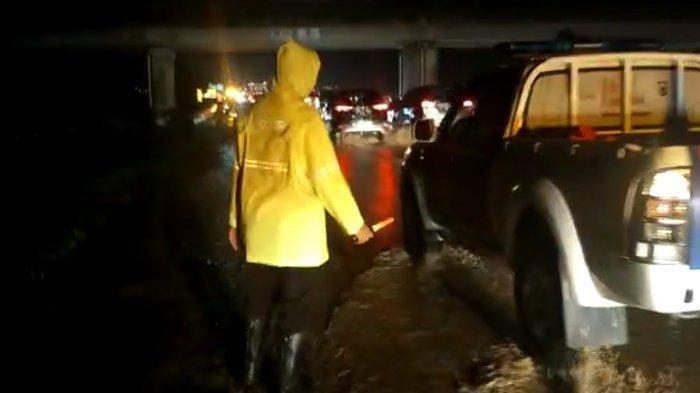 Kondisi Terkini Banjir di Tol Cipali, Kendaraan Sempat Mengantre karena Tak Bisa Melintas