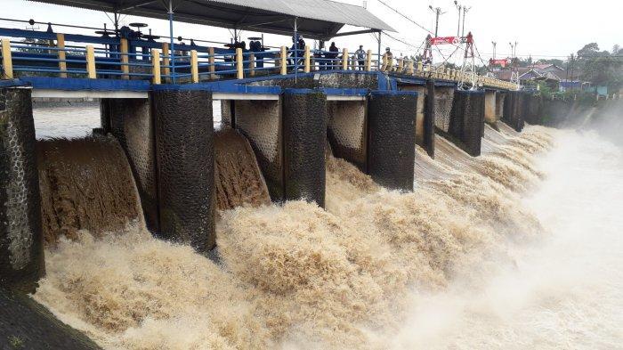 Bogor Diguyur Hujan Sejak Dini Hari, Begini Kondisi Tinggi Muka Air di Bendung Katulampa