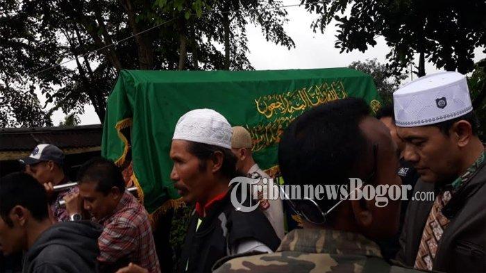 Satu Keluarga yang Tewas Akibat Longsor di Ciawi Bogor di Makamkan Terpisah dari Ibunya