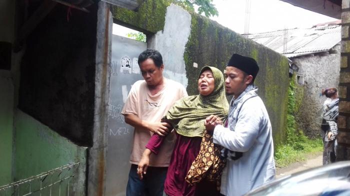 Sempat Dapat Kabar Meninggal, Keluarga Korban Tembok Roboh Histeris Ternyata Masih Kritis