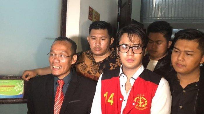 Kriss Hatta Dituntut 10 Bulan Penjara Terkait Kasus Pemukulan Terhadap Anthony Hilenaar