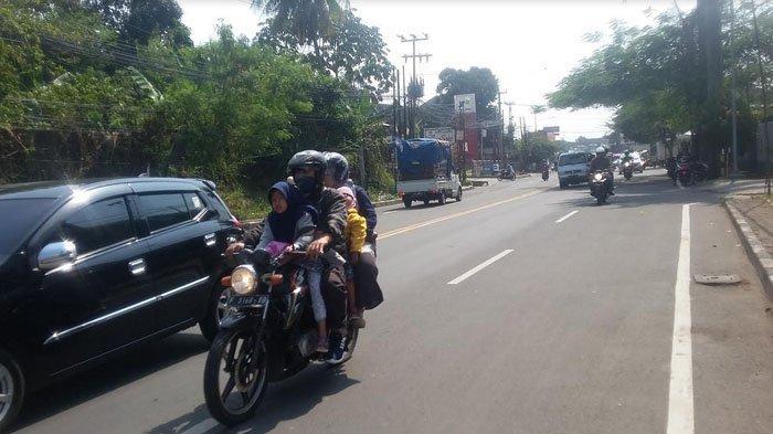 IInfo Lalu Lintas :  Lalu Lintas Sedikit Tersendat di Simpang Pomad Arah Kota Bogor