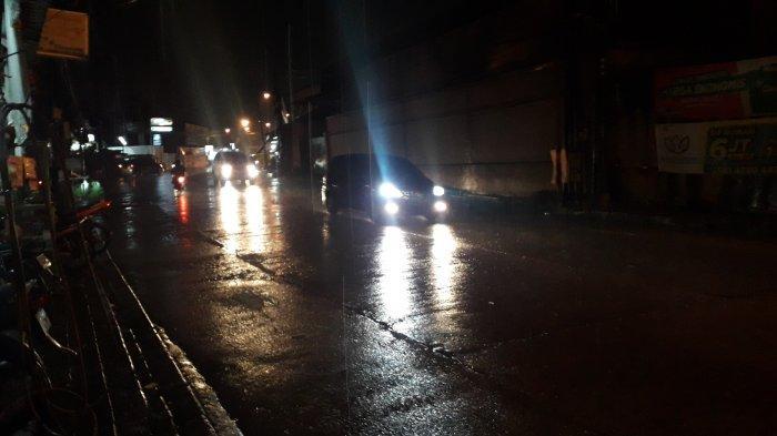 Info Lalu Lintas - Arus Kendaraan di Jalan Sukahati Cibinong Malam Ini Lancar