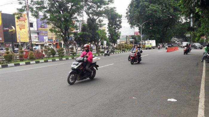 Info Lalu Lintas - Jelang Siang Jalan Raya Pajajaran Ramai Lancar