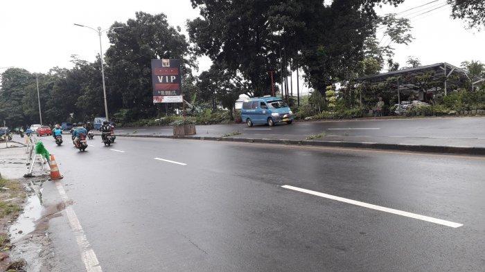 Cuaca Mendung, Arus Lalu Lintas di Jalan Raya Jakarta - Bogor Saat Ini Lancar