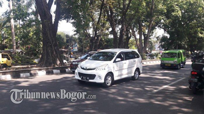 Lalu Lintas di Jalan Raya Pajajaran Arah Ciawi Ramai Lancar