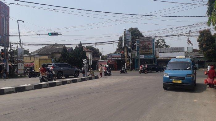 Lalu Lintas Kendaraan di Simpang Kedung Halang Kota Bogor Saat Ini Ramai Lancar